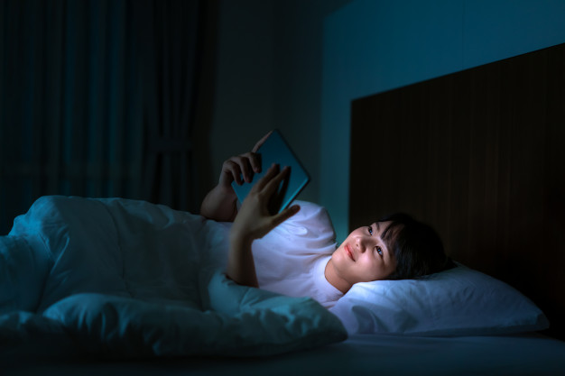 using electronic gadgets at night